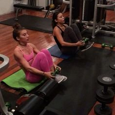 Double trouble 👯 | 6am training with Michelle & @chelle_hayden 🔥🔥. Tag your gym partner guys 😌 #womendown