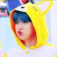 """blue r yeonjun 🦋💙❄️ K Pop, Kai, Cute Icons, Soyeon, Kpop Aesthetic, K Idols, Beautiful Boys, Boy Groups, Dancer"