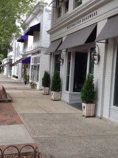 East Hampton. Outdoor entry to commercial space.