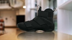 save off fbce5 67a08 Nike LeBron Soldier 10