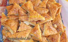 Sajtos-túrós háromszög Salty Snacks, Organic Matter, Spanakopita, Sweet And Salty, High Tea, Crackers, Cornbread, Bacon, Snack Recipes