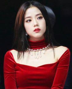 Blackpink Jisoo, Jenny Kim, Black Pink ジス, Chica Cool, Blackpink Photos, Blackpink Fashion, Jennie Blackpink, Celebs, Celebrities