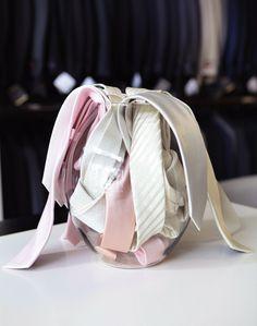 Super dica para quem está querendo presentear os padrinhos com estilo! Conheçam as gravatas para padrinhos da Maison Libanesa Homem. Envio para todo Brasil.