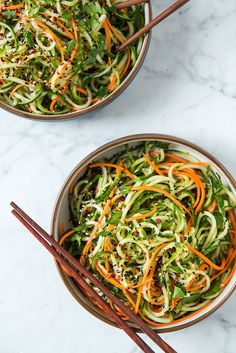 Asian Sesame Cucumber Salad Asian Sesame Cucumber Spiralized Salad Gluten free vegan option paleo and vegetarian Raw Food Recipes, Veggie Recipes, Healthy Dinner Recipes, Cooking Recipes, Healthy Japanese Recipes, Zoodle Recipes, Spiral Vegetable Recipes, Vegan Zucchini Recipes, Raw Vegan Dinners