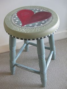 Here's the 'Roses are Red' Valentine stool, showing the Duck Egg legs x Using the Annie Sloan Chalk paint