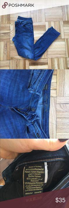 Mavi Gold Skinny Jeans (30) Like New jeans purchased in Bloomingdales. Super soft, mid rise jeans Mavi Jeans Skinny