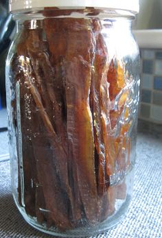 Easy DIY homemade chicken jerky, made in a dehydrator -- loved by people and dogs alike! From the Yankee Ktichen Ninja. Kombucha, Chicken Jerky Recipe, Beef Jerkey, Homemade Jerky, Making Jerky, Jerky Recipes, Ninja Recipes, Dehydrator Recipes, Jerky Dehydrator