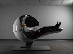 グーグル社員の使う仮眠椅子だそうです。 「科学の力とNASAの技術を駆使」し、元気が回復できる仮眠をお届け。「最も快適に居眠りできるポジションにリクライニングすることで血液の循環を促し、腰にかかる圧力を和らげ、また、アンビエントサウンドが軽い居眠りにいざなってくれる」とのこと。