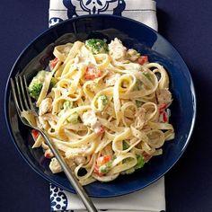 Seafood Fettuccine Alfredo Recipe, Linguine Recipes, Fettuccine Pasta, Pasta Recipes, Cooking Recipes, Alfredo Sauce, Crab Alfredo, Dinner Recipes, Seafood Pasta
