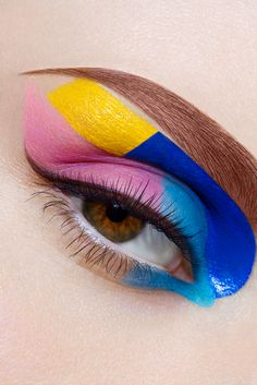 Modern Clown :: Eye Makeup
