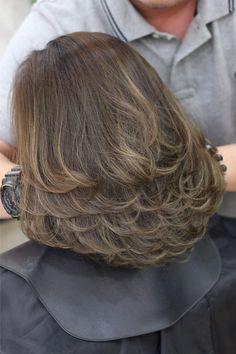 Medium Hair Cuts, Short Hair Cuts, Medium Hair Styles, Curly Hair Styles, Short Hair With Layers, Layered Hair, Hair Cutting Techniques, Haircut For Thick Hair, Shoulder Length Hair