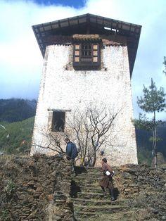lo Dzong verso la catena Himalayana
