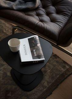 Classy Aesthetic, Gray Aesthetic, Diy Coffee Table, Home Interior, Stylish Interior, Scandinavian Interior, Interior Styling, Aesthetic Pictures, Home Accessories