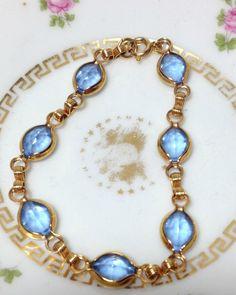 Vintage Blue Bezel Stone Bracelet-Bezel Set Bracelet, Blue Stone Bracelet, Retro Blue Glass Bracelet, BLue Cabochon Bracelet #vintagebracelet #bezelstonebracelet #aquamarine #bluestone #bluestonebracelet #vintagejewelry