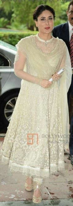 Picture featuring Kareena Kapoor Khan - Kareena Kapoor Launch UNICEF's Child Friendly Schools Photo Indian Fashion Dresses, Dress Indian Style, Indian Designer Outfits, Indian Outfits, Designer Dresses, Pakistani Frocks, Pakistani Dresses, Indian Attire, Indian Wear