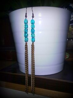 earring (glass beads and chain)