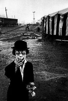 Vintage Bizarre, Creepy Vintage, Vintage Clown, Magnum Photos, Dark Photography, Black And White Photography, Street Photography, Creepy Photography, Circus Photography