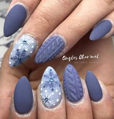 Most Popular Nail Color Winter 2019 How Popular Is Nail Art Hand painted coffin nails sparkle winter nails fake nails Nail Art Noel, Xmas Nail Art, Cute Christmas Nails, Xmas Nails, New Year's Nails, Christmas Nail Art Designs, Winter Nail Art, Winter Nail Designs, Colorful Nail Designs