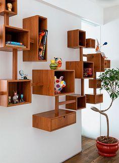 Librería de madera para el salón
