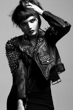 Spiked & Studded Leather Motorcycle Jacket Punk Metal by debuts. - ahh, so beautiful. Look Rock, Style Punk Rock, Glam Rock, Rock Chic, Hippie Look, Hipster Outfits, Rock Outfits, Emo Outfits, Grunge Outfits