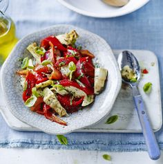 This simple salad allows the wonderful flavours of roasted peppers and artichokes to shine through. Perfect served with couscous on the side. Healthy Recipe Videos, Easy Healthy Recipes, Raw Food Recipes, Veggie Recipes, Salad Recipes, Vegetarian Recipes, Healthy Food, Healthy Eating, Savoury Recipes