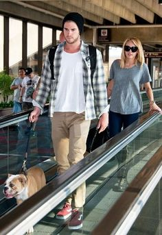 Miley Cyrus And Liam Hemsworth Spotted Together At Philadelphia Airport