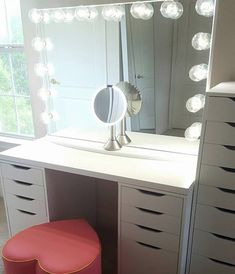 Love this! Simplicity is key. Such an elegant makeup station from @girlsloveponies featuring #ImpressionsVanityGlowXLPro IKEA LINNMON table top & ALEX Drawers