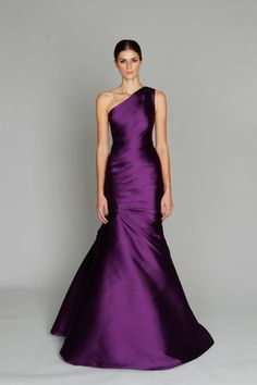 @Lauren DiPego .....I think this would make an amazing bridesmaid dress!!! (Monique Lhuillier F11)