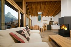 Casa Della Vita No. 5 (8 people) - Apartment - ZERMATT - Switzerland - 4970 CHF ###5½ Room Apartment - Attic - Ap. No. 5  Spacious newly built and furnished 5 ½ room apartment with a gross floor area of 160 m2 featuring four double bed rooms for 8 people. From the apartment and