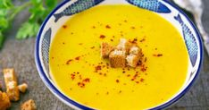 Delicious delicious turkish lentil soup recipe from yellow lentils and turmeric. Turkish Lentil Soup Recipe, Lentil Soup Recipes, Yellow Lentil Soup, Yellow Lentils, Easy Dinner Recipes, Easy Meals, Easy Recipes, Turkish Recipes, Ethnic Recipes