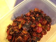Wickedly Delicious Dried Oven-Roasted Cherry Tomatoes - #recipes #tomatoes