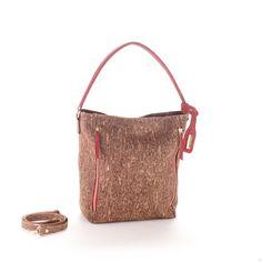 braune vegane Handtasche aus Kork