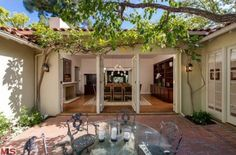 Jodie Foster Finally Sells Her Los Angeles House  - ELLEDecor.com