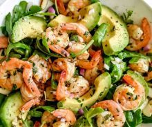 This simple, flavorful shrimp salad makes the perfect meal-prep meal for lunch or dinner thanks to pan-seared citrus shrimp, avocado, and sliced almonds. Shrimp Avocado Salad, Shrimp Salad Recipes, Avocado Salad Recipes, Salad Recipes For Dinner, Easy Salad Recipes, Dinner Salads, Diet Recipes, Healthy Recipes, Pasta Salad
