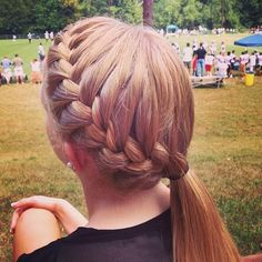 11 Everyday Hairstyles for French Braid Easy Braid Pony: French Hairstyles Side Ponytail Hairstyles, French Braid Hairstyles, Easy Hairstyles, Softball Hairstyles, Updo Hairstyle, Wedding Hairstyles, Cute Sporty Hairstyles, Gymnastics Hairstyles, Athletic Hairstyles
