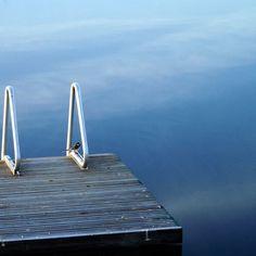 #Lake #Water #Järv #vesi #Photographystudent #travelinestonia #naturelovers #nature #naturephotography #loodus #loodusfoto #linnud #birds #learningphotography #Kaunissaare #sky #taevas #Blue #sinine #harmony #harmoonia #stunning_shots #silence #reflection #pictureoftheday #photooftheday #boatbridge #nature_perfection