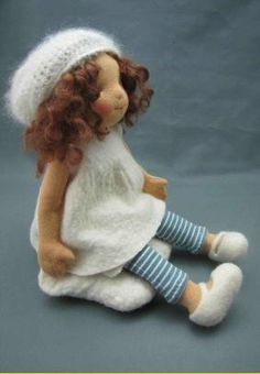 Love the slouchy hat & Mary janes. I usually don't like waldorf dolls, but OMG she's adorable.