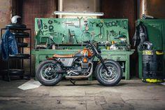 Lady Bobber by Officine Sbrannetti | #LordOfTheBikes #MotoGuzziV7 #officine #custom #bike #SkyUno #CustomBike #ladybike