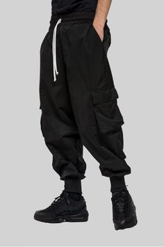 Haze maxi cargo LOWTECH drop 2 0 Maxi Cargo Pants in technical fabric Elastic waistband Made in Italy cargopants blackcargo cbyloredanapinasco techwear techwarefashion streetwear blackclothes darkfashion is part of Cargo pants outfit - Baggy Pants Outfit, Baggy Clothes, Baggy Cargo Pants, Men's Pants, Harem Pants, Cool Outfits, Casual Outfits, Fashion Outfits, Sarouel Pants