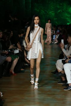 ELIE SAAB Ready-to-Wear Spring Summer 2018 Collection