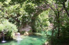 Roman bridge in Lubéron - France