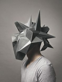 Platonov Pavel - This art work is realy geometrical and i loe the shape and form of the used mask. I can't see a clan massage or Intention by creating this Image but it realy cought my atention and impresses me. Larp, Arte Fashion, Geometric Sculpture, Sculpture Art, Mask Design, Oeuvre D'art, Wearable Art, Art Sketches, Paper Art
