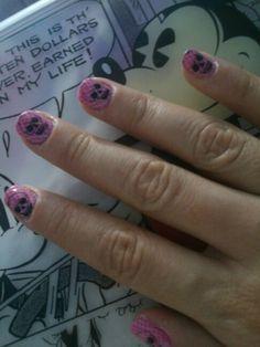 Boa tarde!!  para essa nail stamp usei as plaquinhas da konad m57 e a da sugar bubbles sb 008 e o esmalte é o miss rose 009.