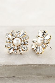 Sparkle studs http://rstyle.me/n/smgjin2bn