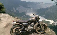 We love this style of bike from ➡@buildandwild⬅ The Yamaha Scorpio 225. And sure…