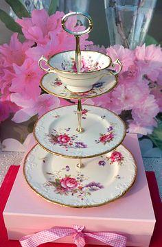 www.cakestandland.co.uk  Paragon Rosalee cake stand