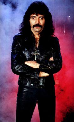 Foto: Foto del día: hoy cumple años el maestro Tony Iommi, guitarrista de Black Sabbath  #TonyIommi