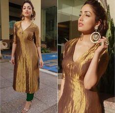 Dress Maxi Outfit Colour 37+ Ideas Churidar Designs, Kurta Designs Women, Indian Gowns Dresses, Pakistani Dresses, Brocade Dresses, Indian Attire, Indian Outfits, Ethnic Outfits, Salwar Pattern