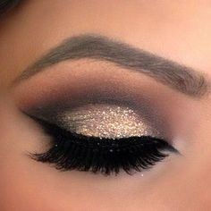 Gold Glitter & Smokey Brown Eyeshadow.