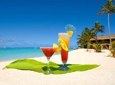 I want to drink cocktails! Cocktail Drinks, Alcoholic Drinks, Beverages, Cocktails, Colorful Drinks, Tropical Paradise, Long Weekend, Potpourri, Caribbean